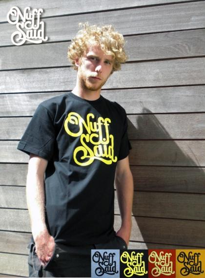 nsMenT-shirt
